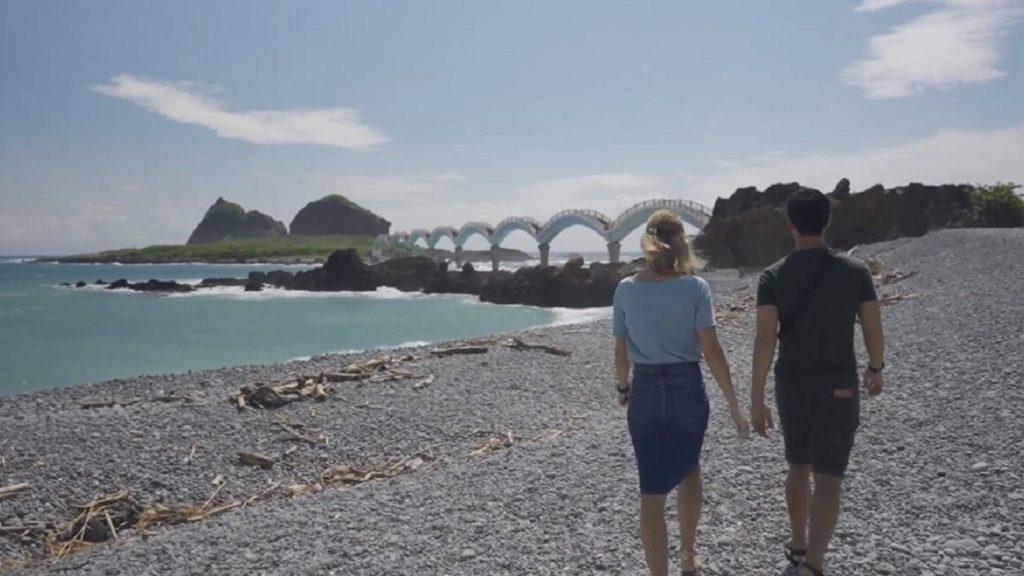 漫步跨海八拱橋